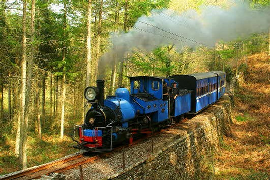 darjeeling B class No.19 on whistling curve-1024